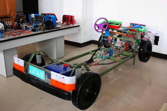 桑塔纳2000型透明整车教学模型